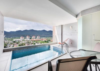 LEXIS SUITES PENANG – SWIMMING POOL