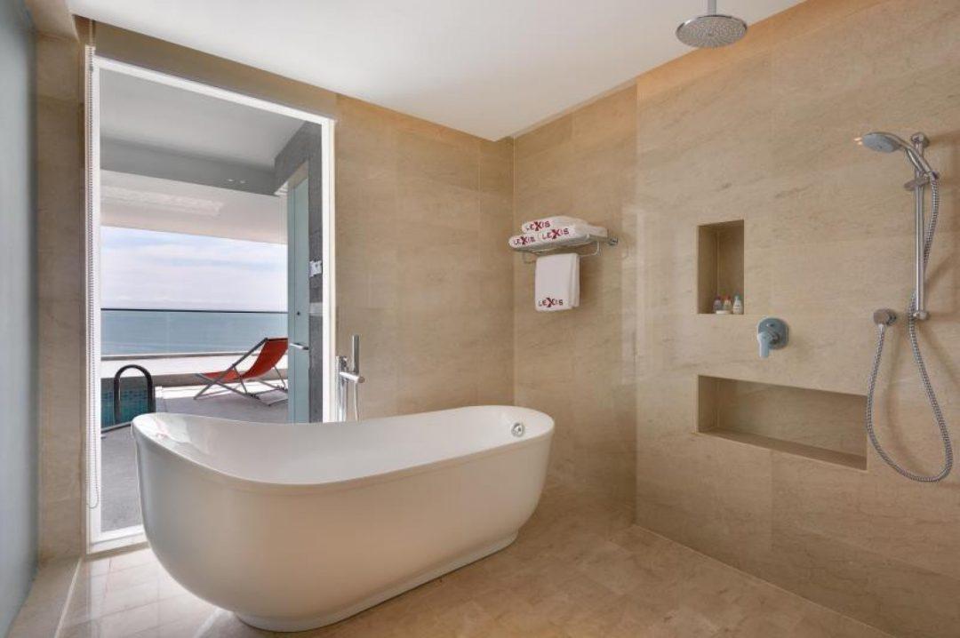 LEXIS SUITES PENANG – BATHROOM