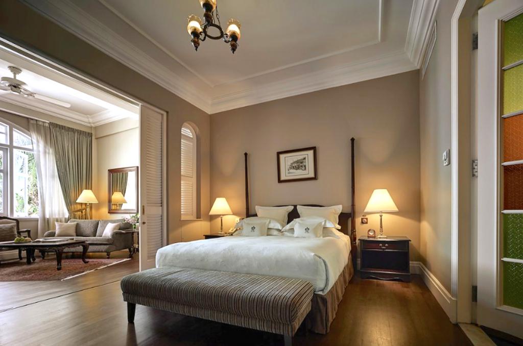 Deluxe Suite, Heritage Wing, Eastern & Oriental Hotel